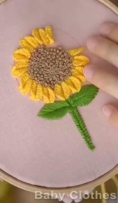 Hand Embroidery Patterns Flowers, Basic Embroidery Stitches, Hand Embroidery Videos, Embroidery Stitches Tutorial, Embroidery Flowers Pattern, Creative Embroidery, Simple Embroidery, Hand Embroidery Designs, Diy Lace Ribbon Flowers
