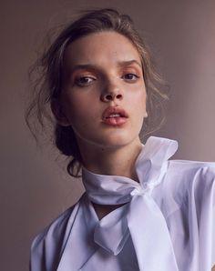 Photography:Christine Kreiselmaier Styled by:Indigo Goss Hair & Makeup: Jessica Mejia Model:Hanne Van Ooij