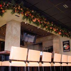 @c2mdesigns #instaxmas #christmas #christmasdecorations #christmas2015 #holiday #holidaydecor #garland #decorations #copper #burgundy #restaurant #restaurantdesign #cocktail #bottomsup #italianfood #luxury #luxurydesign Designer: #christinemccaffery #rhodeisland #boston #willtravel @venda_bar @vendaravioli @venda.ravioli Christmas Party Decorations, New Years Decorations, Open On Christmas, Christmas 2019, Restaurant Design, Restaurant Ideas, Upscale Restaurants, Preschool Christmas, Restaurants