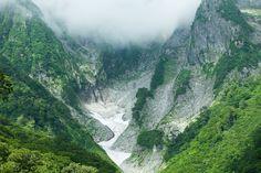 Summery glacier by Ippei & Janine Naoi