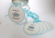 A wonderful way to personalize your party favor tags. These crown tags are a perfect addition to that prince birthday party or a baby shower for a