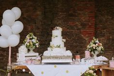 Swirl frosting buttercream wedding cake #weddingcakes #buttercreamcake  #rusticweddingcakes #rusticweddingideas #summerweddingcake #summerweddingideas Summer Wedding Cakes, Buttercream Wedding Cake, Wedding Cake Rustic, Rustic Chic, Frosting, Table Decorations, Drinks, Food, Wedding