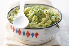 Recette de purée de brocolis et pommes de terre au Thermomix TM31 ou TM5. Faites cet accompagnement en mode étape par étape comme sur votre Thermomix !