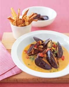mussels and oven fries