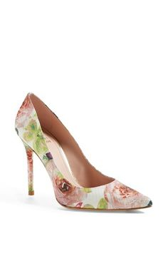 Pretty Floral Pumps -- perfect for spring!