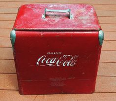 Vintage Red Coca Cola Cooler by SarahAnntiques on Etsy Coca Cola Cooler, Coca Cola Ad, Always Coca Cola, Vintage Coca Cola, Vintage Cooler, Coke Machine, Retro, Dr Pepper, The Good Old Days