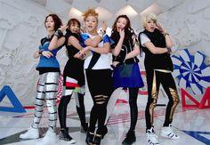 ƒ(x) 에프엑스: Victoria Song, Amber Liu, Luna Park, Sulli Choi and Krystal Jung