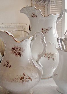 Collectibles Vintage Pfaltzgraff Almond & Blue Large Flowered Wash Basin And Pitcher Orig Own Distinctive For Its Traditional Properties