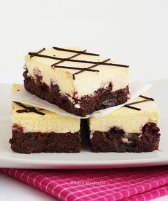Sernikobrownie with cherry jam Brownies, Cheesecake, Cherry, Desserts, Recipes, Food, Kuchen, Cake Brownies, Tailgate Desserts