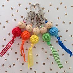 Handmade by E★: Somewhere over the rainbow. Handmade by E★: Somewhere over the rainbow. Crochet Gifts, Diy Crochet, Crochet Dolls, Crochet Baby, Making Wooden Toys, Kawaii Crochet, Crochet Keychain, Fabric Jewelry, Button Crafts