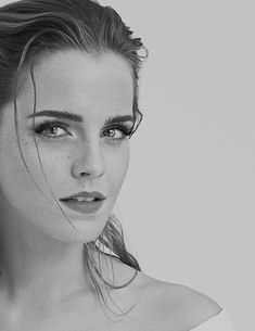 Image in Emma Watson collection by Melody on We Heart It Pencil Portrait Drawing, Pencil Art Drawings, Emma Watson Sketch, Enma Watson, Desenhos Harry Potter, Emma Watson Sexiest, Girl Drawing Sketches, Celebrity Drawings, Celebrity Photos