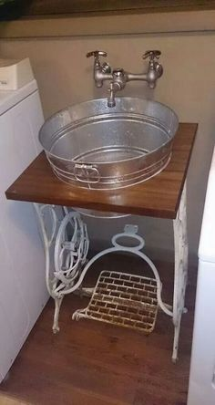 A repurposed sewing table and washtub find new life in this DIY project for the … Une table de couture … Farmhouse Laundry Room, Farmhouse Decor, Farmhouse Style, Laundry Rooms, Farmhouse Rugs, Farmhouse Ideas, Rustic Style, Country Style, Repurposed Furniture