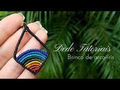 Taronja, vermell i marró --> 15 cm Verd i Groc --> 25 cm Blaus --> 4 x 30 cm Negra --> 7 x 30 cm + 2 x 20 cm Macrame Earrings Tutorial, Micro Macrame Tutorial, Macrame Bracelet Patterns, Earring Tutorial, Macrame Necklace, Macrame Jewelry, Macrame Bracelets, Bracelet Tutorial, Loom Bracelets