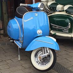 Sky blue Vespa and white walled tyres, lovely. Lambretta Scooter, Vespa Scooters, Vespa 300, Motor Scooters, Southport, Custom Bikes, Vintage Vespa, Cars And Motorcycles, Rally