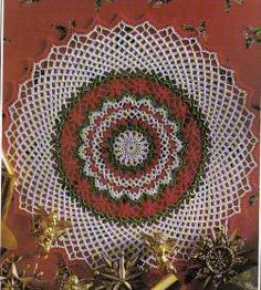 FREE PATTERN~ Christmas Cheer Doily