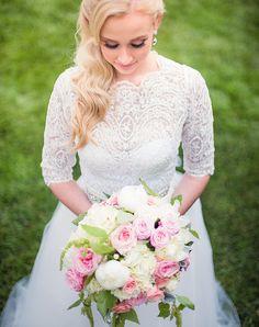 Wedding Dresses Under $1000 - Our favorite Wedding Dresses Under 1000 dollars.