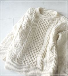 Hand knitted sweater | アランセーターは重い ?