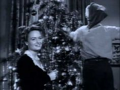 Kenny G - Have Yourself A Merry Little Christmas - with a Burgess Meredith as a projectionist enjoying classic Christmas films (via Comet Over Hollywood) It's A Wonderful Life. Christmas Carols Songs, Christmas Tunes, Favorite Christmas Songs, Merry Little Christmas, Christmas Love, Country Christmas, Christmas Playlist, Classic Christmas Movies, Classic Movies