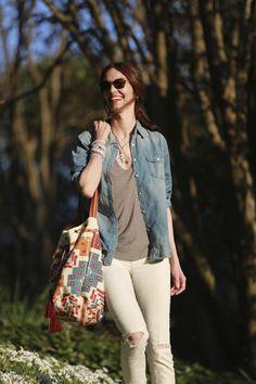 Nos encanta el look de Eugenia Silva con el bolso ETNICO.  Muchas gracias por el post, nos ha encantado! ♥♥  http://tutrastiendadelamoda.com/producto/Bolso-ETNICO-Goa-13ver/1084151    http://blog.hola.com/allabouteu/