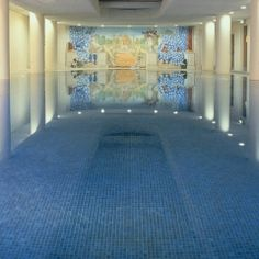 The Merrion Hotel has an excellent spa, gym and swimming pool facilities. For the best Dublin city spa breaks book online! Hotel Breaks, Spa Breaks, Spa Hotel, Hotel Pool, Merrion Hotel Dublin, Dublin Hotels, Ireland Hotels, Centre, Beste Hotels