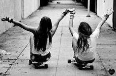 I just love these best friend skateboarding pictures...