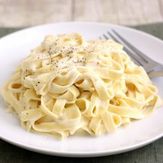 """This is a lighter version of Fettuccini Alfredo, but it's still on the heavy side, so couldn't quite list it on the """"healthy"""" board. Looks good!"""