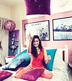 #Alia_Bhatt so you can see that how she love vibrant fabrics with soft colors and black and white paintings on wall