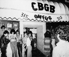New York club CBGB, well-known for featuring punk'new wave music and influential punk bands, captured in some amazing photographs during its heyday in the Ramones, Lower East Side, Pop Punk, John Lennon, Cbgb New York, Punk Rock, Joey Ramone, New Wave, Nyc