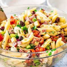 This Italian Pasta Salad is what everyone needs in their go-to recipe arsenal for quick and easy recipes ideal for a potluck, picnic or any other summer get-togethers. It's healthy, it's fast, super easy to make, delicious and bursting with flavor. Sicilian Pasta Salad Recipe, Easy Pasta Salad Recipe, Pasta Salad Italian, Healthy Salad Recipes, Easy Recipes, Vegan Recipes, Pesto, Goto Recipe, Quinoa