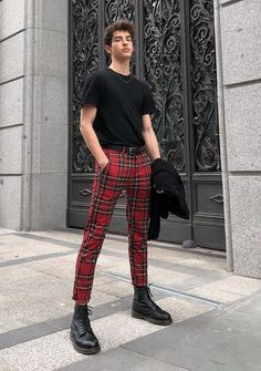 I'd like to see you in some red plaid pants plz Fashion Mode, Boy Fashion, Korean Fashion, Mens Fashion, Fashion Outfits, Fashion Trends, Fashion Shorts, Trending Fashion, Fashion Hair