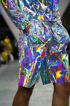 Fyodor Golan Ready To Wear Spring Summer 2015 London, fashion, style, holographic clothes, metallic clothes Future Fashion, Live Fashion, Fashion Art, Spring Fashion, Fashion Show, Fashion Design, Fashion Trends, Weird Fashion, Fashion Clothes