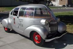STRANGE OLDE CLASSIC AUTOMOBILES - 1934 MCQUAY-NORRIS STREAMLINER