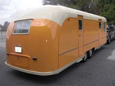Vintage Trailers — 1954 Vagabond fully restored – Famous Last Words Old Campers, Vintage Campers Trailers, Retro Campers, Airstream Trailers, Camper Caravan, Vintage Caravans, Diy Camper, Camper Life, Camper Ideas