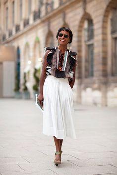 Mid skirt street style