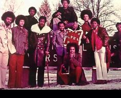 Old School picture of The Beta Chapter of Kappa Alpha Psi Kappa Alpha Psi Fraternity, Delta Sigma Theta, Old School Pictures, Black Fraternities, Divine Nine, Greek Life, Historical Pictures, Black Man, Mother And Father