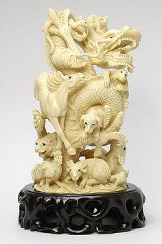Международные Искусство и ремесла - Mammoth Резные мамонта и бегемот из слоновой кости по дереву, нэцкэ, ювелирные изделия