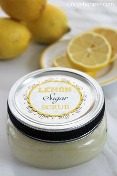 DIY Gifts Lemon Sugar Scrub in a Jar with FREE Printable Labels. Perfect scrub for yourself or for a gift!