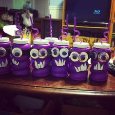 Made these evil minion party cups for goody bags for Letty's party! Cups are from party city. I  added black sticky foam for the eye bands & teeth. The eyes were from the dollar store and I used a purple sharpie to match them. Glue the eyes to the silver circles (I cut mine out of an old gift bag), let dry, then glue to the eye bands. Viola!