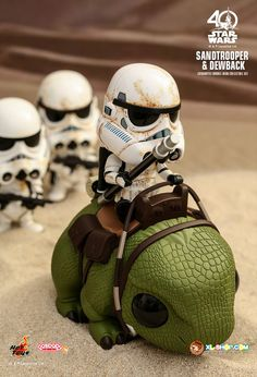 Hot Toys - - Star Wars: A New Hope - Sandtrooper & Dewback Cosbaby (S) Bobble-Head Collectible Set Star Wars Poster, Star Wars Art, Cuadros Star Wars, Captain America Wallpaper, Star Wars Stickers, Star Wars Jokes, Chibi Characters, Star Wars Wallpaper, A New Hope