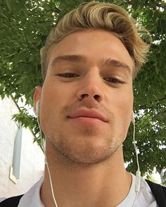 See this Instagram photo by @matthew_noszka • 22.4k likes