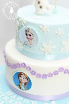 Frozen fondant cake with Olaf, Ana and Elsa