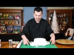 Round Bow Cake lesson 4 sugar paste - Cake Decorating with Paul Bradford