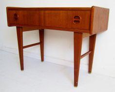 Mindre Sideboard/Byrå - Teak - Retro 50-tal/60-tal på Tradera. Möbler  