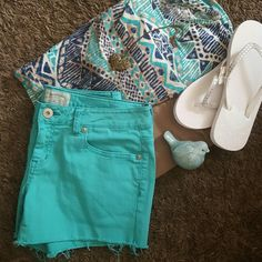 NWOT Aeropostale 5/6 Teal Cut off shorts BRAND NEW WITHOUT TAGS Size 5/6 [stretch] Aeropostale cut off shorts Beautiful spring or sumner color Dark mint or teal color  TOP IS A MEDIUM CROP TOP FROM FOREVER 21 *CAN BUY WHOLE OUTFIT [TOP+SHORTS] FOR $18.00 Aeropostale Shorts