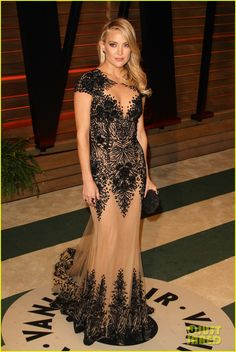 Kate Hudson glams up the 2014 Vanity Fair Oscar Party hosted by Graydon Carter held after the 2014 Oscars on Sunday night (March 2) in West Hollywood, Calif.
