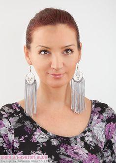 Jewelry DIY Tutorial: Spice up simple hoop earrings with frings