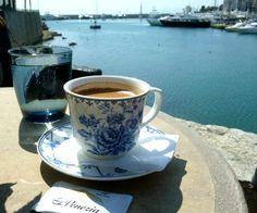 caffè greco con vista mare e sole splendente!!! A Kastela - Pireo!