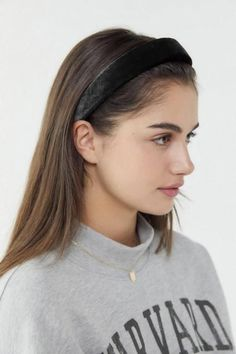 Clarissa Padded Headband Shoot Aesthetic In 2019 Prom Hairstyles - casual hairstyles with headbands casual hairstyles thin Prom Hairstyles For Short Hair, Casual Hairstyles, Trending Hairstyles, Headband Hairstyles, Braided Hairstyles, Updos Hairstyle, Short Hair Headband, Pretty Hairstyles, Braided Headbands