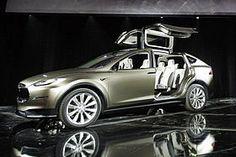 Elon Musk's Tesla Motors to Introduce Self-Driving Cars in Three Years Tesla Roadster, Tesla Motors, Cardboard Car, New Tesla, Suv Models, Model Car, Tesla Model X, Mobile Price, Cars