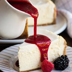Not all cheesecakes are made in an oven! If you want all the creaminess of a cheesecake mixed with all the ease of an instant pot; then this instant pot recipe is for you! # instapot cheesecake recipes Perfect Instant Pot Cheesecake with Berry Coulis Instant Pot Cheesecake Recipe, Easy Cheesecake Recipes, Best Instant Pot Recipe, Instant Recipes, Instant Pot Dinner Recipes, Dessert Recipes, Instapot Cheesecake, Homemade Cheesecake, Berry Coulis